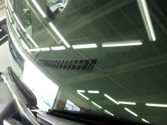 トヨタ タンクのフロントガラスの飛び石のヒビ割れをウインドリペア