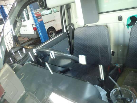 ダイハツ ハイゼットのフロントガラスの飛び石ヒビ割れ修理 ウインドリペア