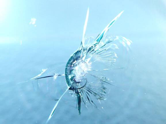 京都市伏見区 スズキ エブリイのフロントガラス修理、飛び石リペア